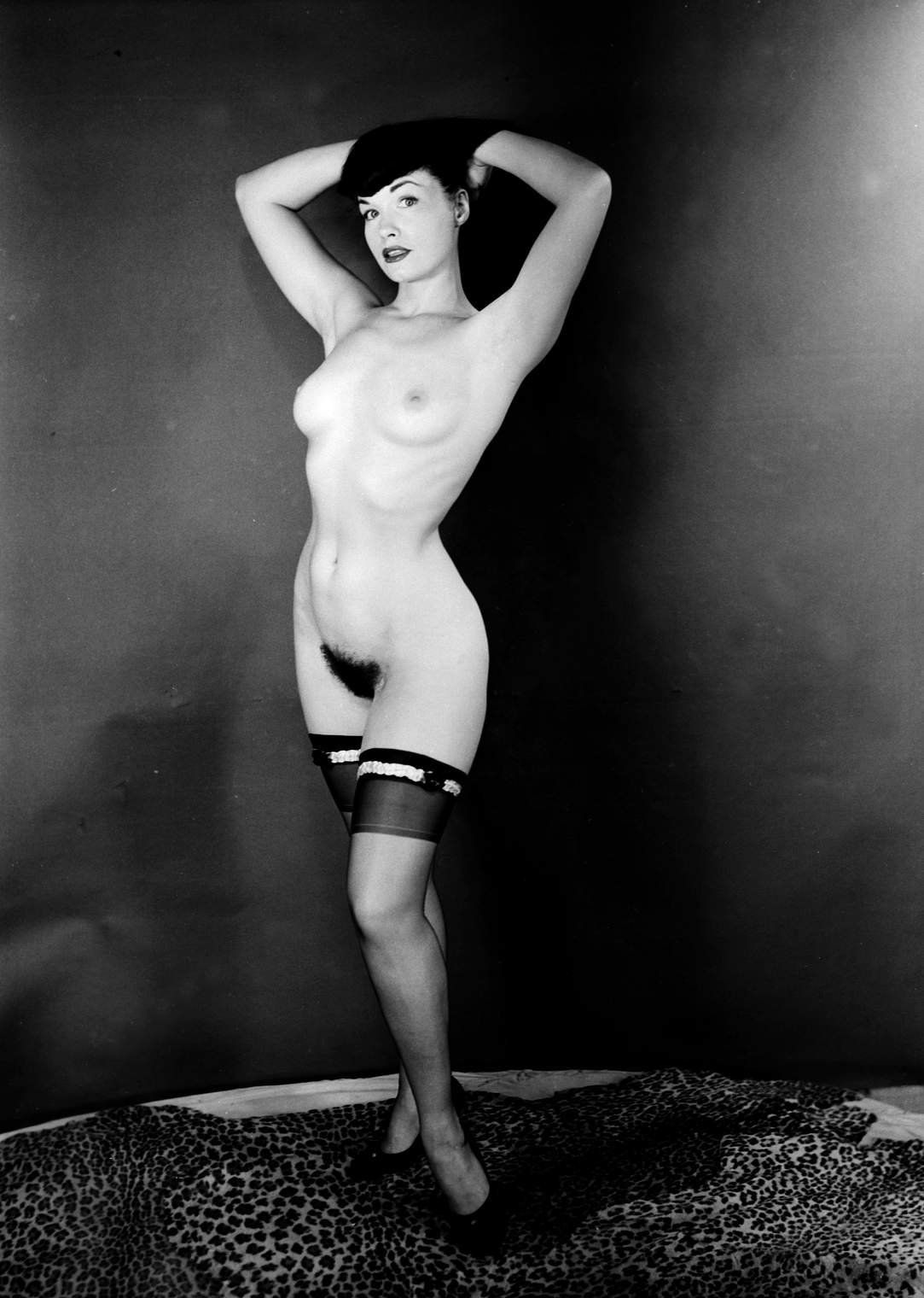 Free betty page nude pussy