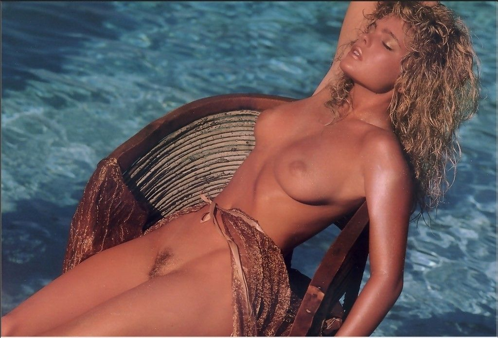 Erika eleniak throwback thursday erotic photos of celebrities and sexy actresses