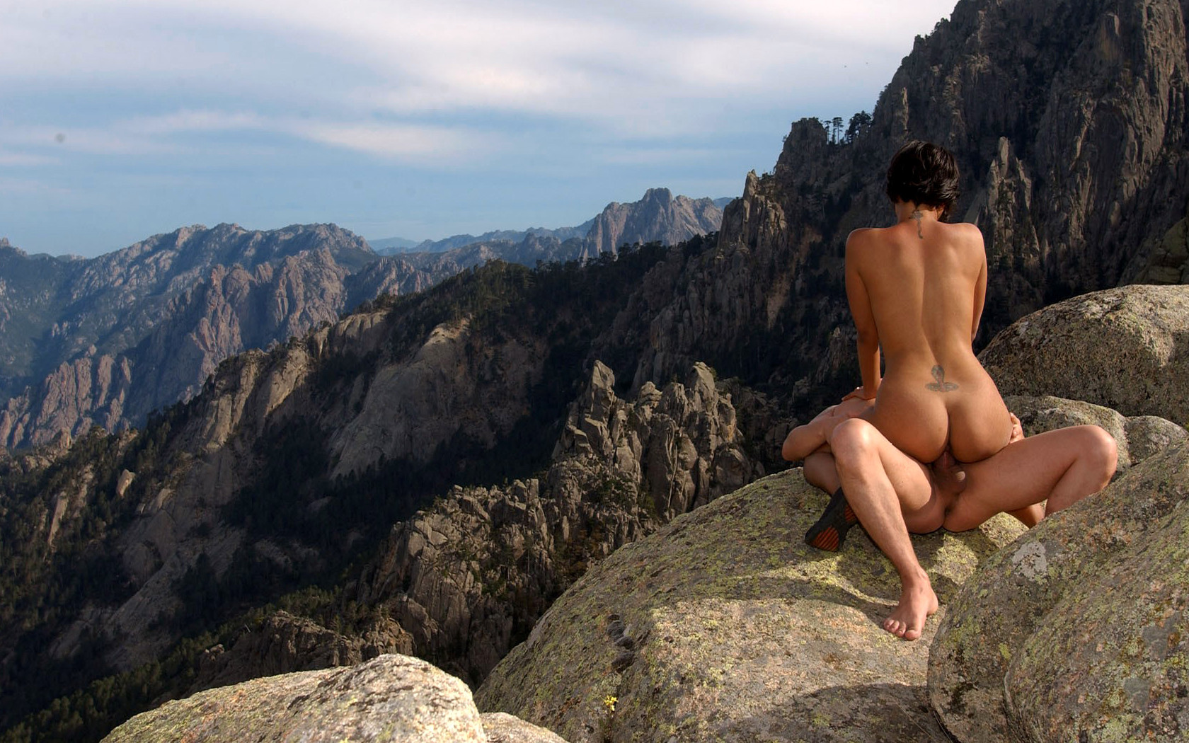 Peachypeaks Talks The Naked Truth About Nudist Mountaineering In Colorado