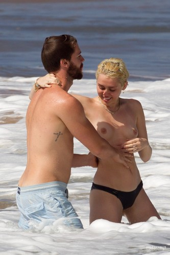 Miley Cyrus – Topless in Hawaii 25 333x500 Miley Cyrus – Hawaii