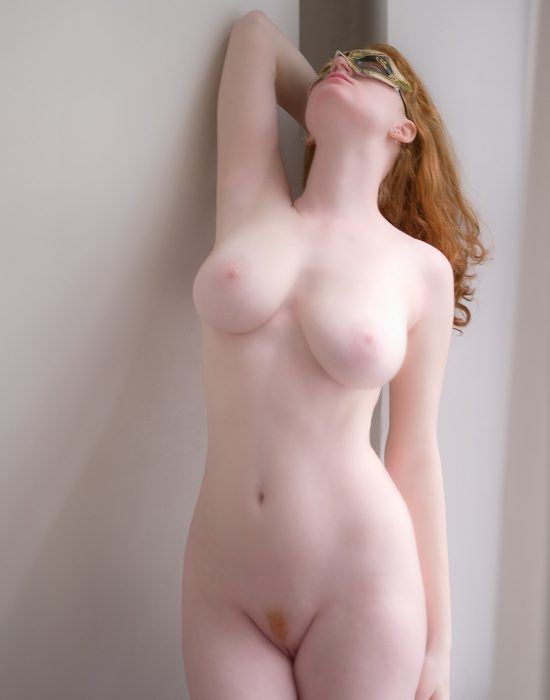 Sexy pale nude girls — img 1