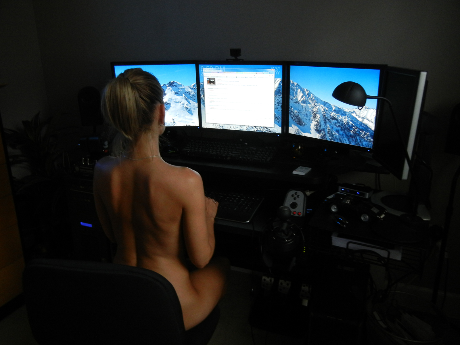 Banging my hot photo gamer gf while she's playing