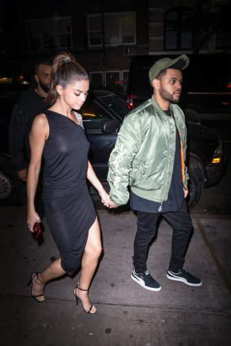 009 241 334x500 Selena Gomez   Out for dinner in NYC 6 6 17