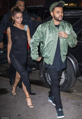 412FF9D500000578 0 image m 60 1496816515528 1 347x500 Selena Gomez   Out for dinner in NYC 6 6 17