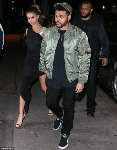 412FFC0000000578 4579702 Eating out No doubt Abel could not wait to sit down and tuck  0005 389x500 Selena Gomez   Out for dinner in NYC 6 6 17