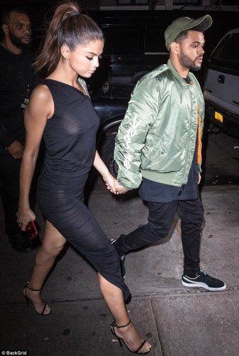 412FFC8400000578 4579702 image m 5 1496818525204 336x500 Selena Gomez   Out for dinner in NYC 6 6 17