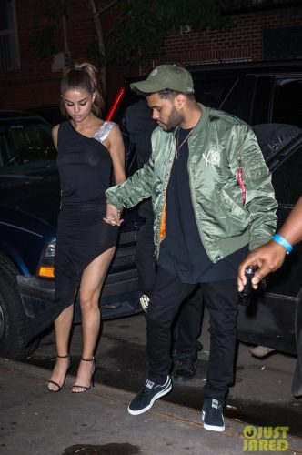 IMG 4474 332x500 Selena Gomez   Out for dinner in NYC 6 6 17