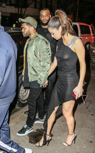 gomez  8  3 313x500 Selena Gomez   Out for dinner in NYC 6 6 17