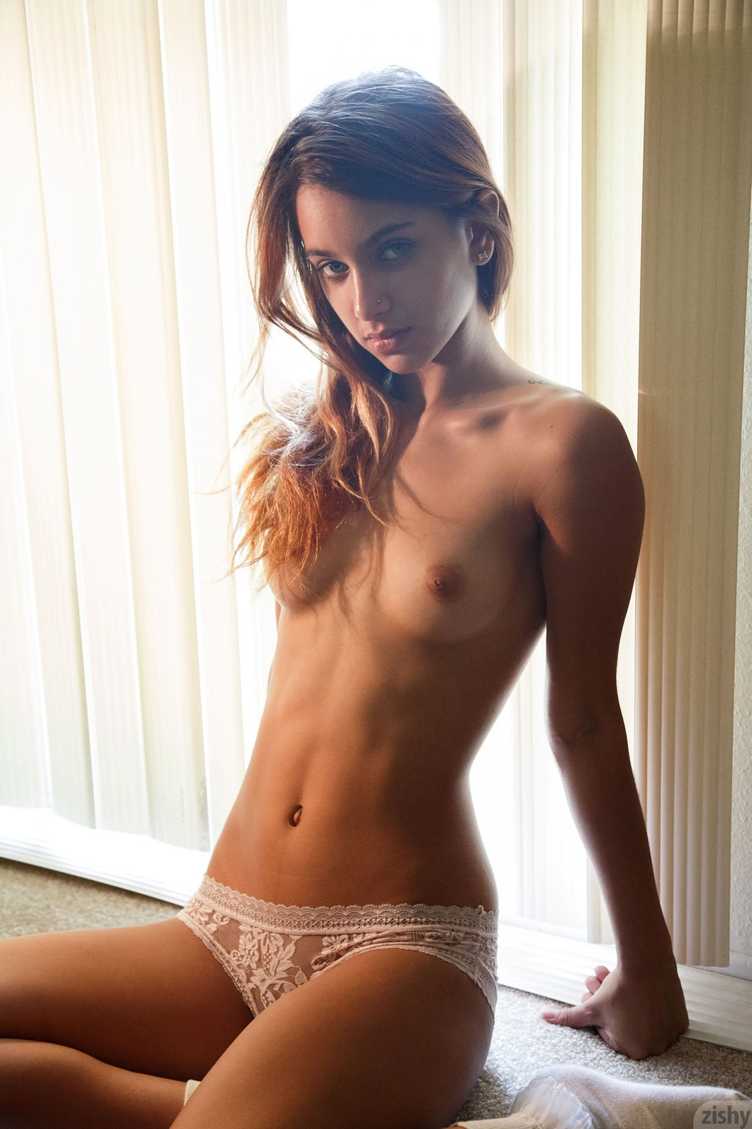 Uma Jolie has a tight body.jpg