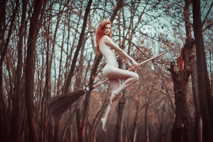 nude Witch 700x467 nude Witch