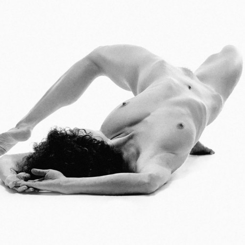 ubospirko02 500x500 Black and White nudes